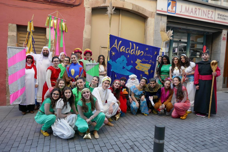 Els alumnes de 4t d'ESO participen a la rua de carnestoltes