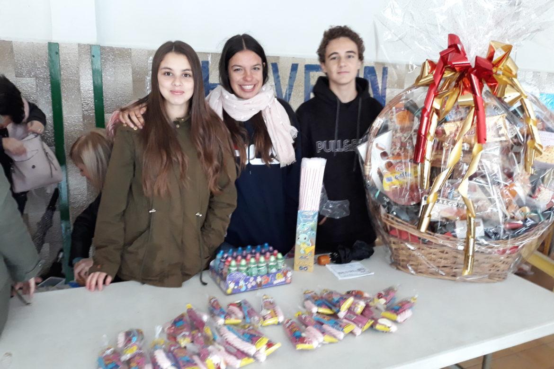 Els alumnes de 4t col·laboren a la castanyada