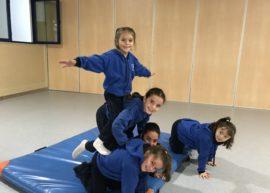 Acrosport amb els nens/es de Segon!